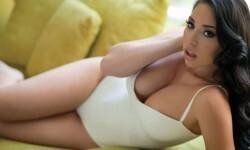 Carolina Petkoff, una conspiradora de la sensualidad (8)
