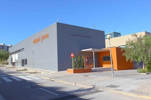 Chiva ofrecerá el Espai Jove para acoger el Centro de Especialidades de la Hoya.