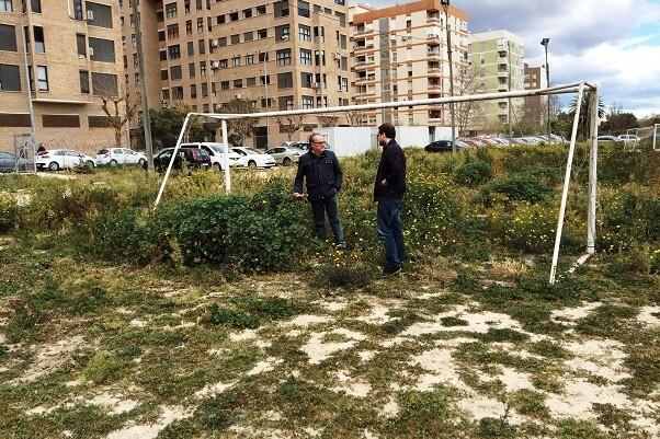 Ciudadanos de Valencia urge al Ayuntamiento a acondicionar el campo del Sporting Club de Benimaclet.