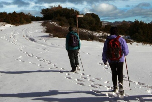 Continúa la búsqueda de tres senderistas perdidos en Castellón.