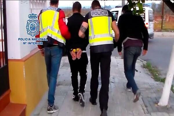 Detenidas cuatro personas por explotar sexualmente a una joven rumana a la que pretendían vender.