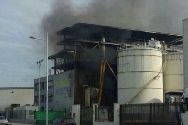 Dos muertos en una explosión en una empresa de biodiésel en Algemesí.