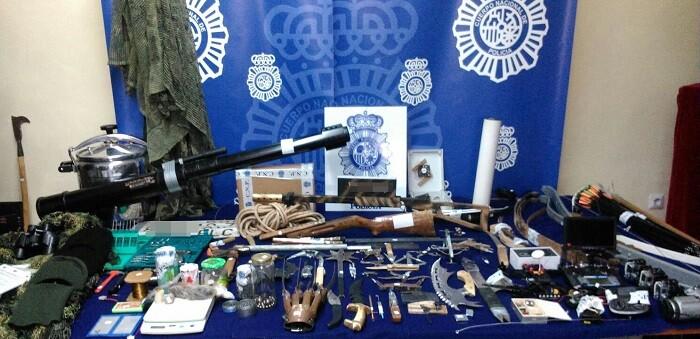 Algunas de las armas eran diseñadas específicamente para que no pudieran ser detectadas en los sistemas de seguridad de aeropuertos y otras instalaciones