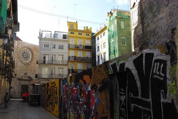 El Ayuntamiento tramita cuatro programas de actuación en espacios degradados de Ciutat Vella.