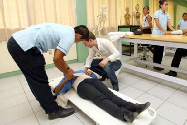 El CECOVA considera insuficientes las 338 plazas de la categoría enfermera propuestas para la OPE 2016.