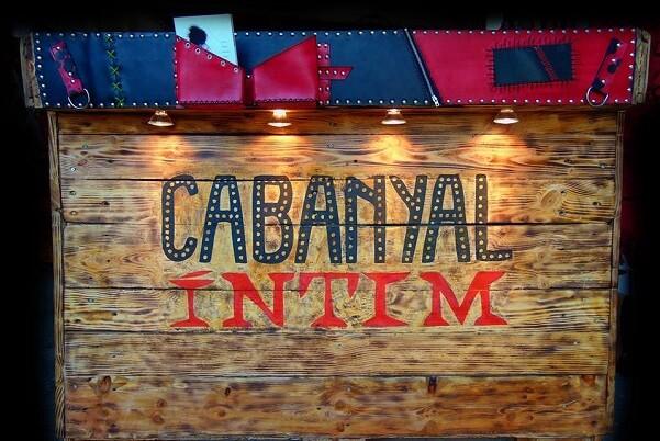 El Festival Cabanyal Íntim presenta en el Teatre Musical una ruta escènica que repassa els seus cinc anys d'història.