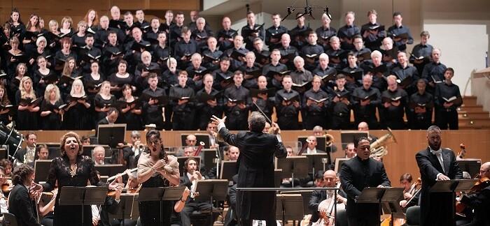 El Philharmonia Chorus es un coro sinfónico independiente con sede en Londres.