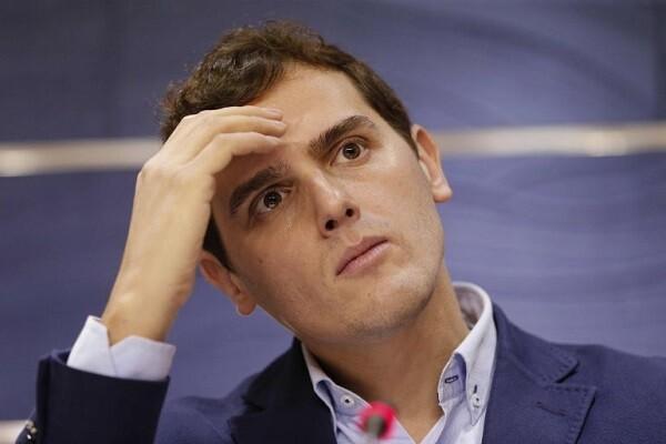 El barómetro del CIS indica que creció el pesimismo sobre la situación política de España.