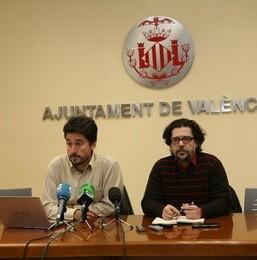 El concejal Jordi Peris y el gerente Rafael Monterde en la rueda de prensa.