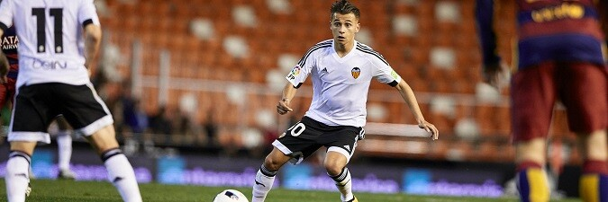 En la segunda mitad, el Valencia CF salió con ganas y a punto estuvo de hacer el segundo gol. (Foto-Lázaro de la Peña).