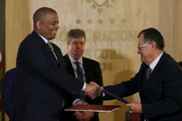 Estados Unidos y Cuba reanudan sus vuelos comerciales.