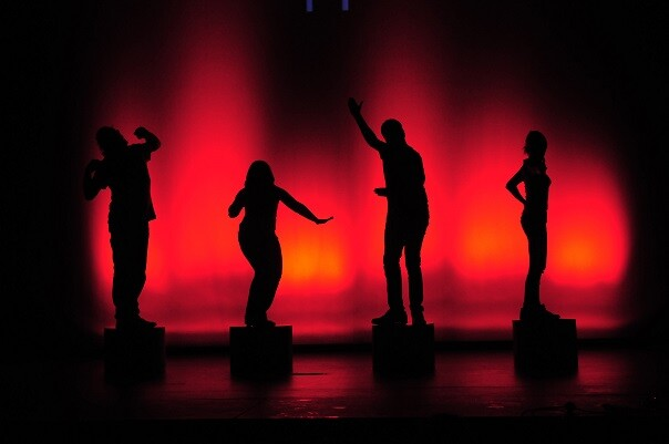 Estreno en Valencia de la comedia 'Per amor' dentro del 'V Ciclo de Compañías Valencianas' de Sala Russafa.
