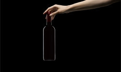 IC_Gen_Hand and Bottle_RGB