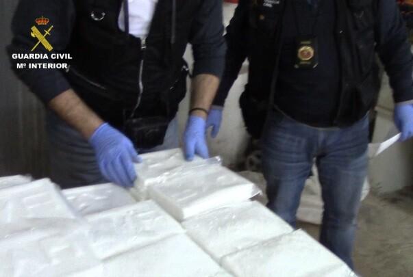 Incautan más de 130 kilos de cocaína y desmantelan un laboratorio en la localidad de Serra.