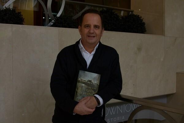 """Javier González """"Creo que la iglesia generó una red publicitaria excelente desde el siglo XVI""""´."""