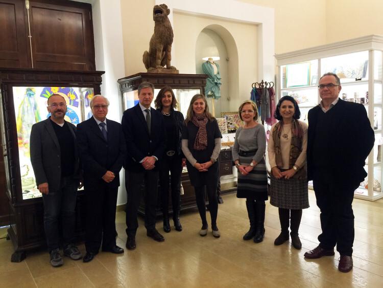 Juanvi Aznar, Tomás Colomer, Vicente Genovés, Charo Moral, María Ruiz, Amparo Fabra, Mª Luisa Llorens y Josep Manel Sabater