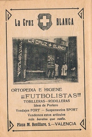 La Cruz Blanca. Artículos futbolistas. Años 20.