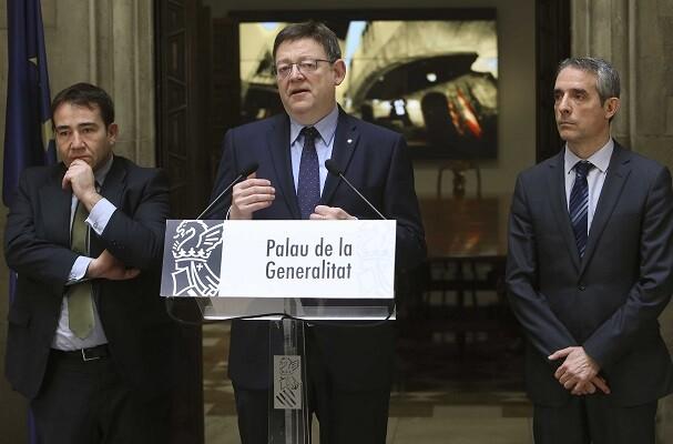 El President de la Generalitat, Ximo Puig, asiste a la firma del convenio entre Generalitat y CaixaBank. 24/02/2016. Foto: J.A.Calahorro.