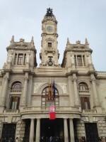La bandera de la brecha salarial ondea en el Ayuntamiento de Valencia (1)