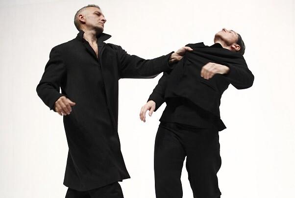 La compañía Mal Pelo protagoniza un fin de semana de danza contemporánea en El Musical.(Photo©Jordi Bover).