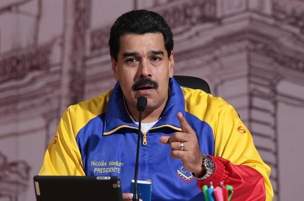 """La justicia declara """"vigente"""" el decreto de emergencia económica dictado por Maduro."""