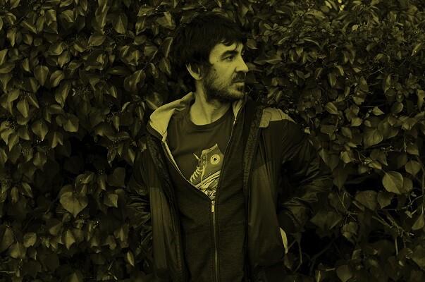 Luis Prado, 'alma mater' de Sr. Mostaza, presenta en Sala Russafa su primer disco en solitario.
