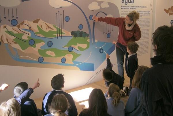 Más de 1.100 escolares participan en las jornadas educativas que Aigües de l'Horta organiza en el Espai de l'Aigua durante 2015.