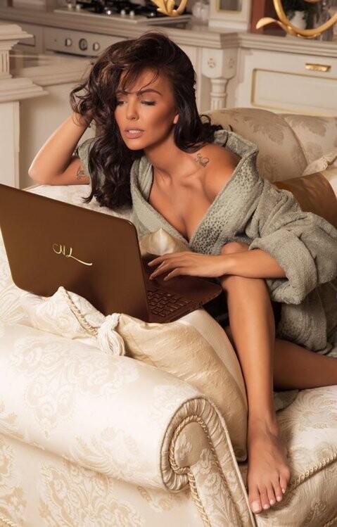 Nikoleta, la ex chica Playboy que conquistó a Cristiano Ronaldo (2)