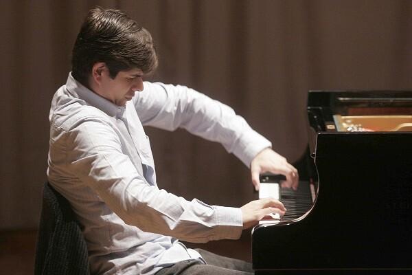 Ramón Tebar debuta con la Orquesta de Valencia con obras de Beethoven y Bàrtók.