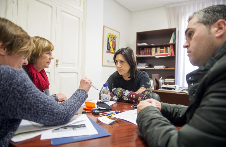 Rosa Pérez se reúne con alcalde d'Albaida foto_Abulaila (2)