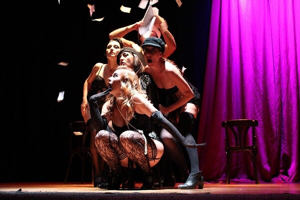 Sala Russafa se transforma en un cabaret neoyorkino de los años 40 con la compañía valenciana Xhido.