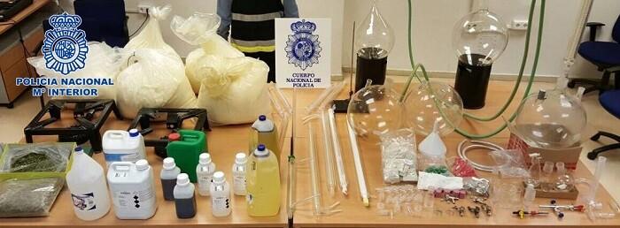 Se han detenido 12 personas, tanto en España como en el Reino Unido.