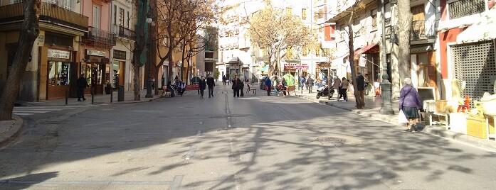 Se han instalado más de 25 plazas de motocicleta, lo que evitará el estacionamiento de estos vehículos en las veredas.