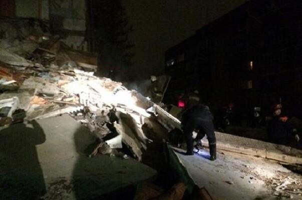 Una explosión de gas deja al menos cuatro muertos en un edificio residencial en Rusia.