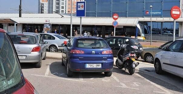 Además, existen otras 1.163 plazas en siete estacionamientos municipales, también gratuitos.