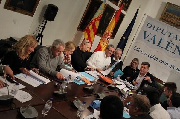 Aguar y Peris se reúnen con los representantes municipales de C's para dar cuenta de las subvenciones de la Diputación.