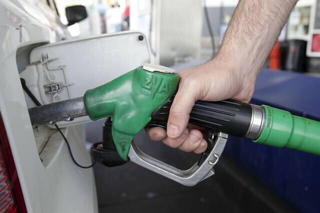 Baja la gasolina un 0,37 por ciento y el gasóleo sube un 0,1 por ciento.