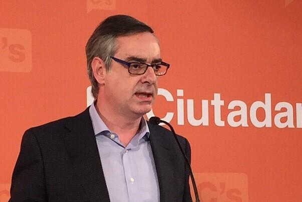 Ciudadanos afirma que el documento pactado con el PSOE 'no es la Biblia'.