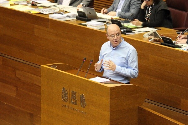Ciudadanos logra que Les Corts apruebe por unanimidad el aumento de la renta garantizada de ciudadanía.