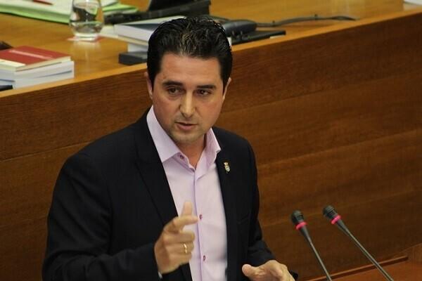 Compromís insta a l'Agència Valenciana de Seguretat a obrir expedients als ajuntaments que incompleixen la normativa d'uniformitat de les policies locals.
