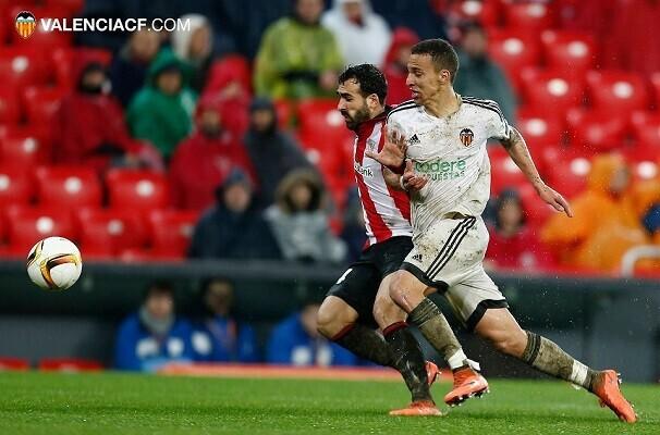 El Athletic vence por la mínima al Valencia (1-0).