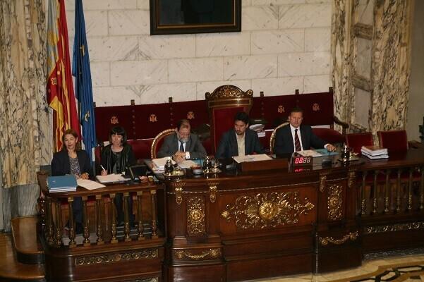 El Ayuntamiento aprueba la creación de una comisión de seguimiento de la declaración de Patrimonio de la Humanidad de la Unesco para las Fallas.