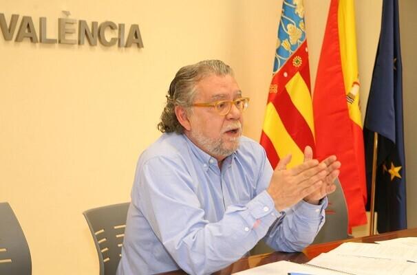 El Ayuntamiento cierra los presupuestos del 2015 con un superávit de 61 millones de euros.
