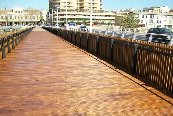 El Pont de Fusta tendrá carril para bicicletas.