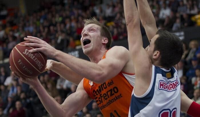 El Valencia Basket sigue líder en la competición. (Foto-Miguel Ángel Pardo).