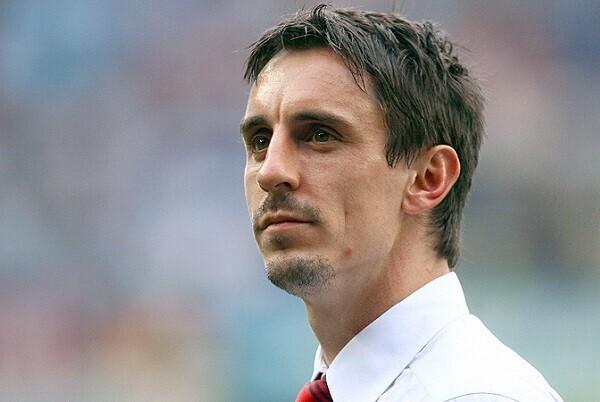 El Valencia CF destituye a Neville y Ayestarán será el nuevo entrenador.