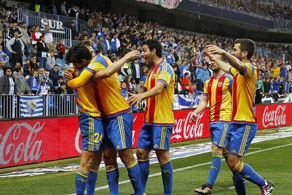 El Valencia CF obtiene un importantísimo triunfo ante el Málaga (1-2). (Foto-Lázaro de la Peña).