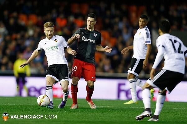 El Valencia CF queda fura de la Europa League pese a vencer al Athletic (2-1). (Lázaro de la Peña).