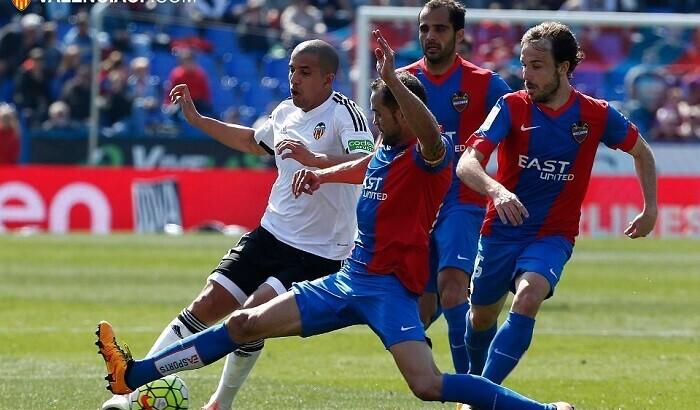 El Valencia nunca se sintió cómodo en el derby. (Foto-Lázaro de la Peña).