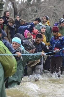 El cierre de la frontera de Macedonia había dejado a 12.000 personas varadas en la parte norte de Grecia.